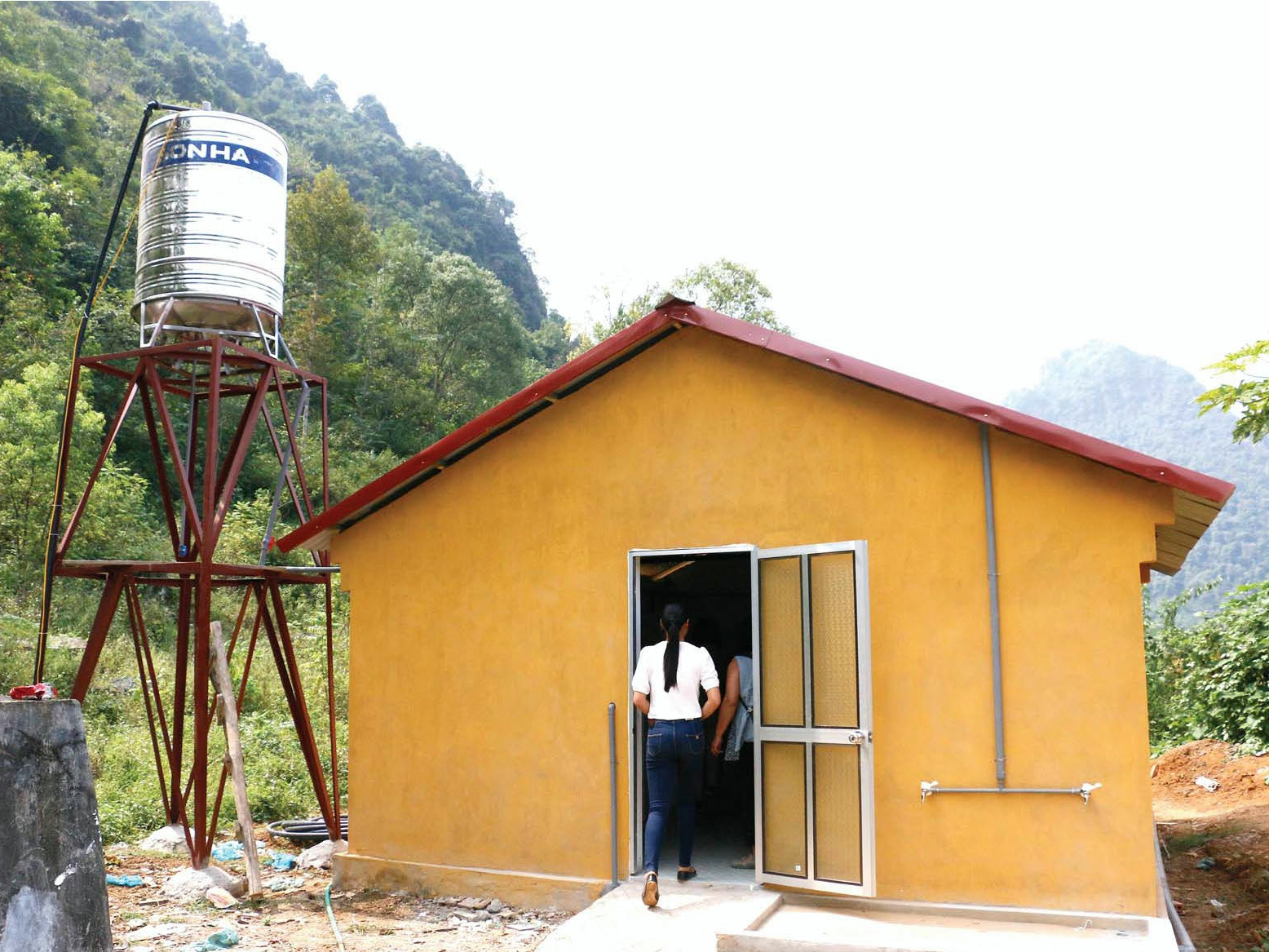 Après bâtiment Cach Linh